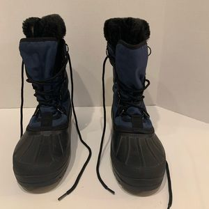 Kamik dark blue snow boots w/ black fur